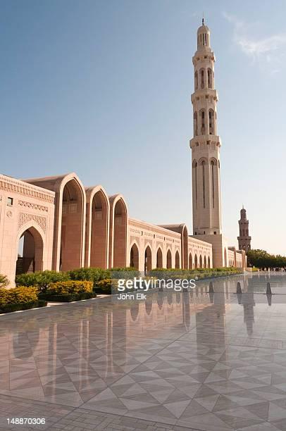 sultan qaboos grand mosque, minaret. - qaboos bin said al said stock pictures, royalty-free photos & images