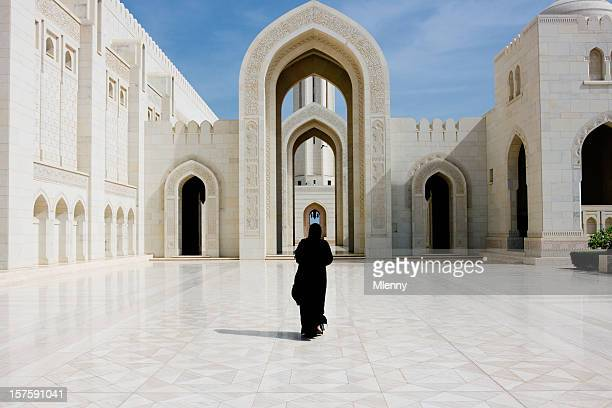 sultan qaboos grand mosque muscat oman - mosque stock pictures, royalty-free photos & images