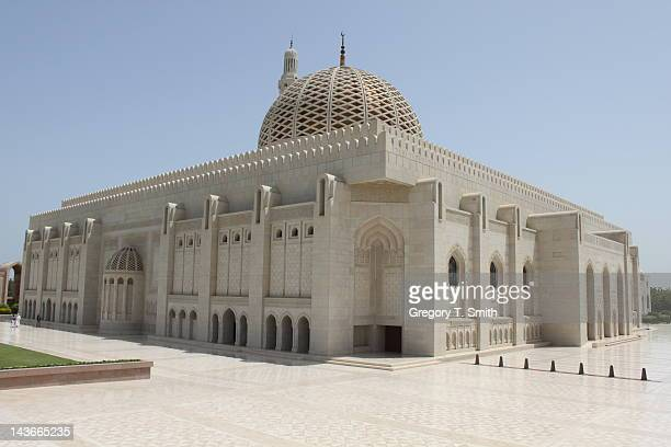sultan qaboos grand mosque - sultan qaboos mosque stock pictures, royalty-free photos & images
