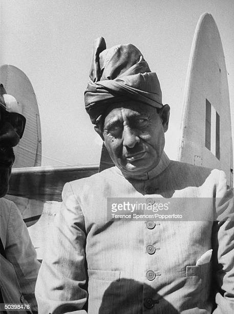 Sultan Ruler of Pro British Sheikdom Fabhle Bin Ali Al Abdali Lajah in Aden Protectorate visits British Base