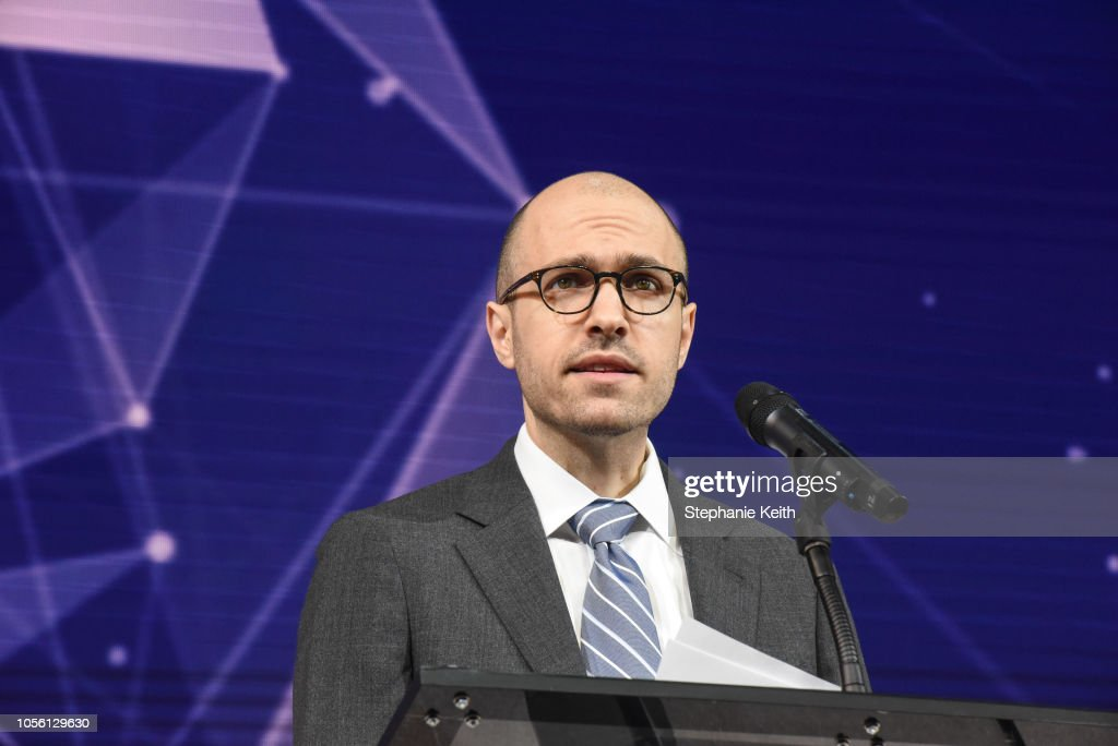 Business, Tech And Media Luminaries Attend New York Times DealBook Conference : News Photo