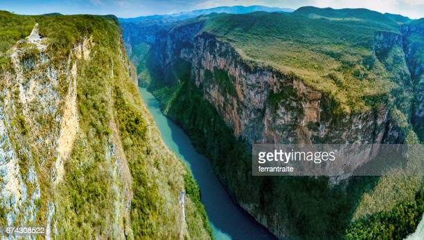 sumidero canyon in chiapas mexico - canyon foto e immagini stock