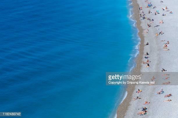 summer activity on the beach - scène non urbaine photos et images de collection