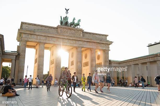 Sommer Nachmittag am Brandenburger Tor in Berlin