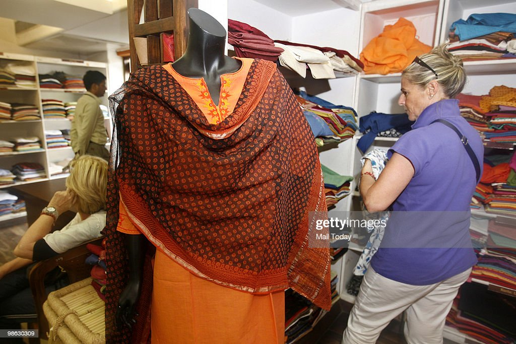 FabIndia Outlet At Khan Market In Delhi : Nieuwsfoto's