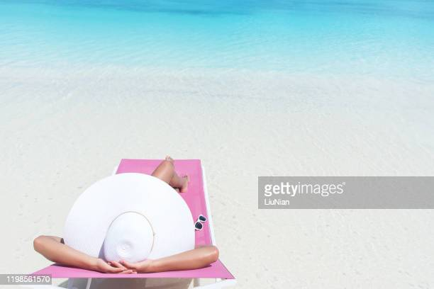 summer beach vacation copy space scene - liu he stock pictures, royalty-free photos & images