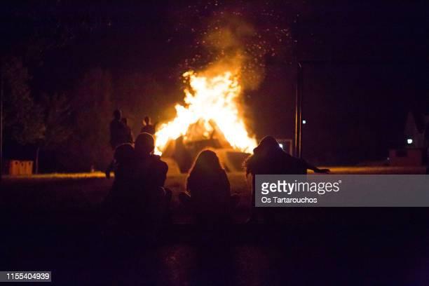 summer bonfire - san juan fotografías e imágenes de stock