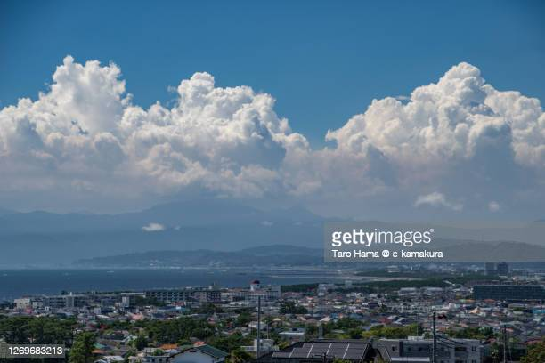summer clouds on the residential district by the sea in kanagawa prefecture of japan - 平塚市 ストックフォトと画像