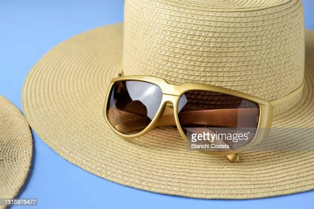 summer concept - straw hat stock pictures, royalty-free photos & images
