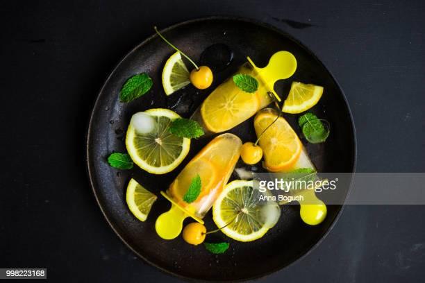 Summer dessert with lemon
