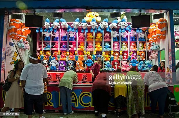 Summer, Family, obesity,amusement, games, amusement park, brooklyn, coney island, new york city, entertainment
