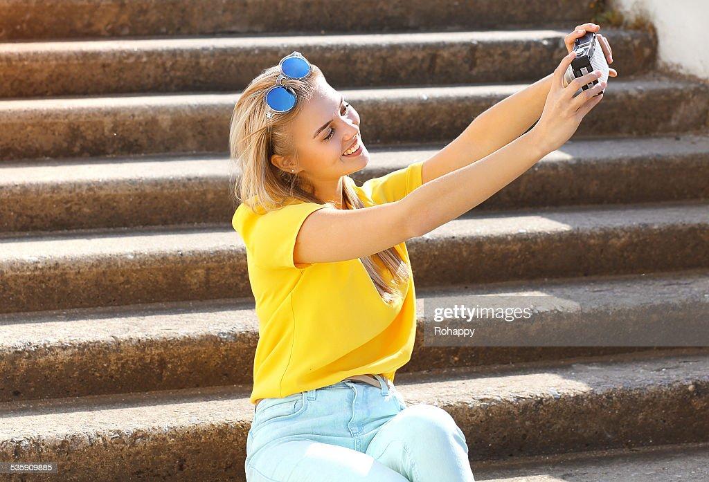Verão, moda, tecnologia e pessoas conceito-Fotografia de estilos de vida : Foto de stock