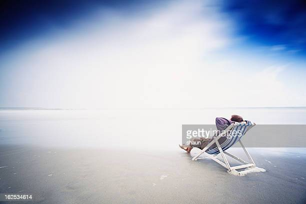divertimento estivo - solo un uomo foto e immagini stock