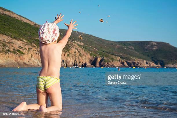 summer fun - bambini in mutande foto e immagini stock