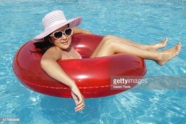 summer girl - sun hat stock pictures, royalty-free photos & images