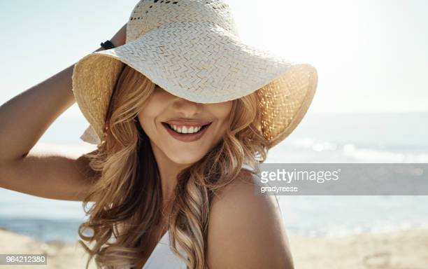 summer, i am so ready for you - cappello foto e immagini stock