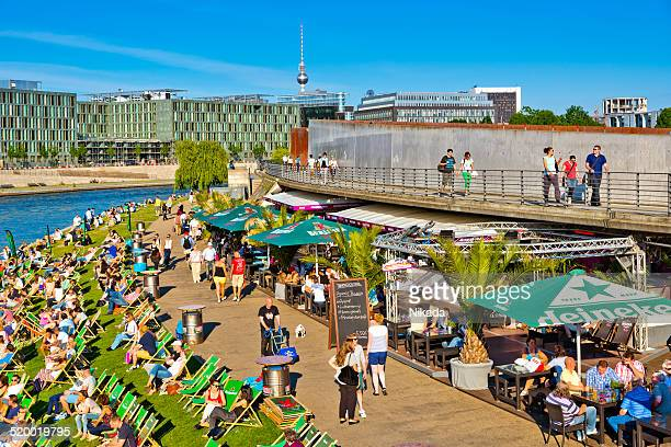 summer in berlin - spree river stock pictures, royalty-free photos & images