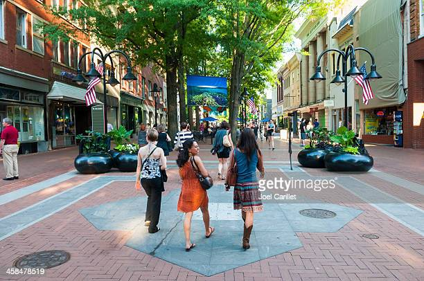 summer in downtown charlottesville - charlottesville stock pictures, royalty-free photos & images