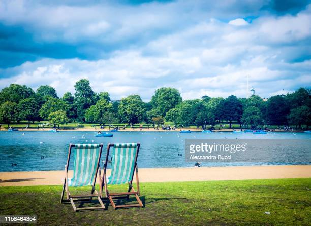 summer in london - international landmark stock pictures, royalty-free photos & images