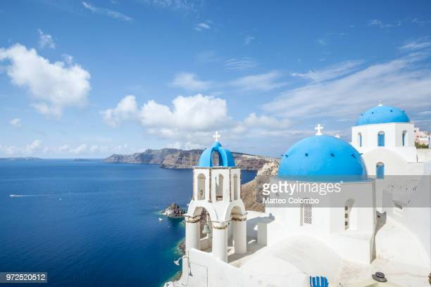 summer in the island of santorini, mediterranean sea, greece - santorini stock pictures, royalty-free photos & images