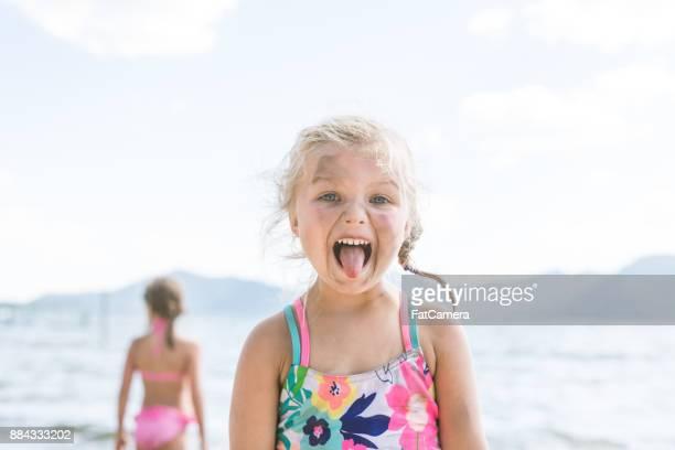 Zomer kinderen op het meer plezier!