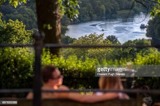 summer love: couples - i love you frase em inglês - fotografias e filmes do acervo