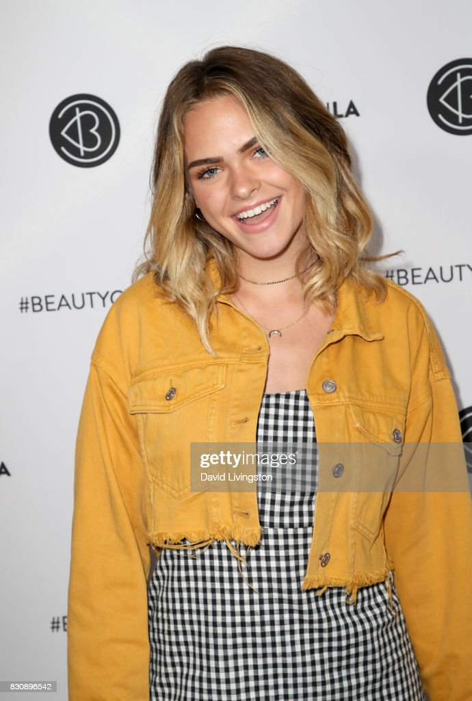 00ccbcc638dc Summer Mckeen attends Day 1 of the 5th Annual Beautycon Festival Los ...