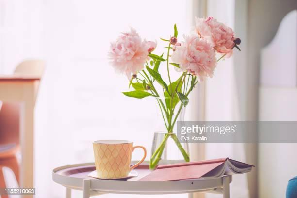humeur d'été - bouquet de fleurs photos et images de collection