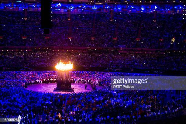 Summer Olympic Games In London 2012, : Opening Ceremony. La cérémonie d'ouverture des 30èmes Jeux olympiques d'été de Londres 2012 : la flamme...