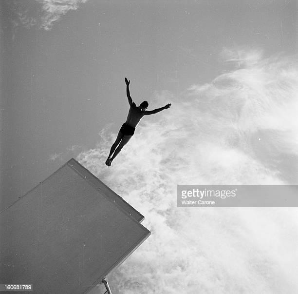 Summer Olympics 1952 Helsinki En Finlande à Helsinki en juillet 1952 lors des Jeux Olympiques d'été à l'épreuve de plongeon à la Plateforme de 10...