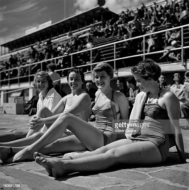 Summer Olympics 1952 Helsinki En Finlande à Helsinki en juillet 1952 lors des Jeux Olympiques d'été portrait de jeunes femmes en maillot de bain...