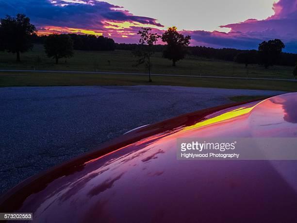 summer on the road - highlywood fotografías e imágenes de stock