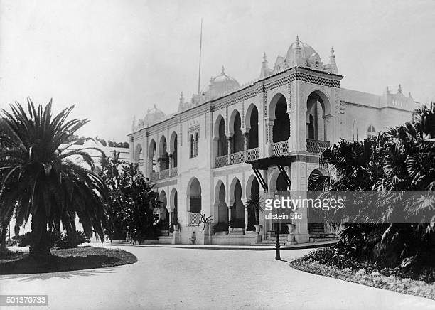 Summer palace of the governor in Algiers undated
