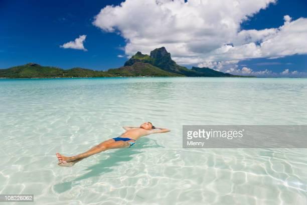 verão de relaxamento - bora bora imagens e fotografias de stock