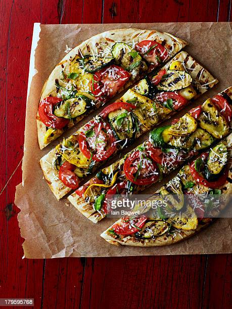 summer special - vegetarian pizza stock pictures, royalty-free photos & images