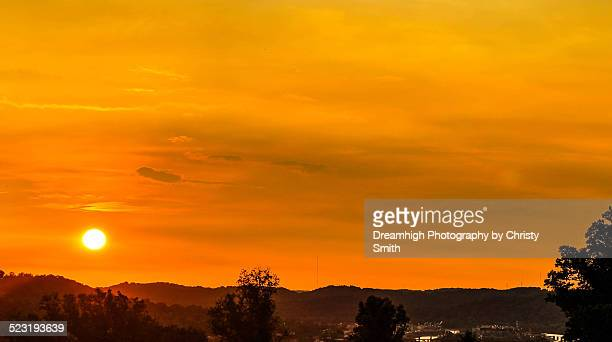 summer sunset over charleston, wv - charleston west virginia stock pictures, royalty-free photos & images