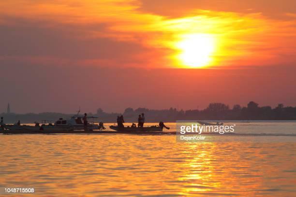 Sommer Sonnenuntergang über der Donau