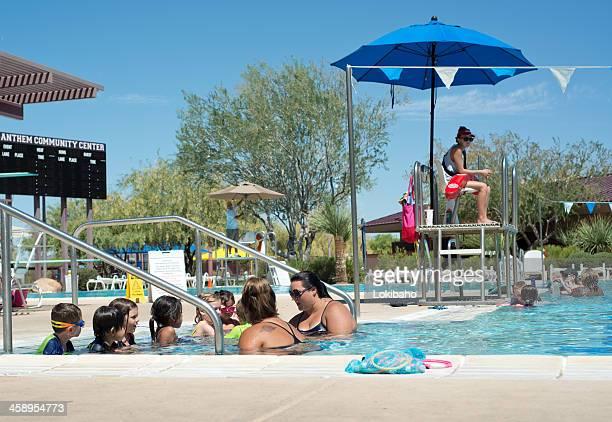 Cours de natation en été