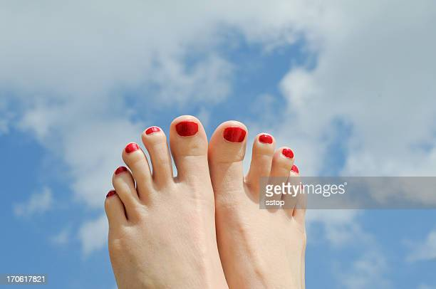 summer toes - pretty toes and feet stock photos and pictures