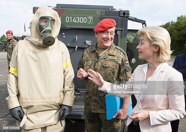 Summer travel in 2016 by the Federal Minister of Defence Ursula von der Leyen Visit to the NBC defense battalion 750 Baden in Bruchsal Soldier in NBC...