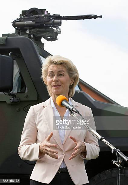 Summer travel in 2016 by the Federal Minister of Defence Ursula von der Leyen Visit to the NBC defense battalion 750 Baden in Bruchsal Ursula von der...