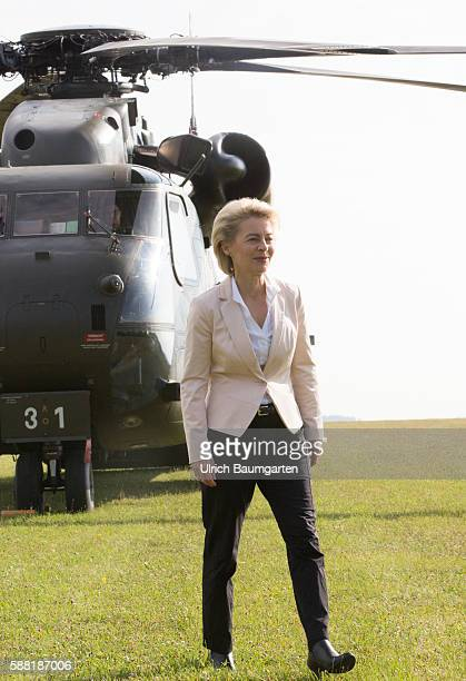 Summer travel in 2016 by the Federal Minister of Defence Ursula von der Leyen Visit to the NBC defense battalion 750 Baden in Bruchsal arrival with...
