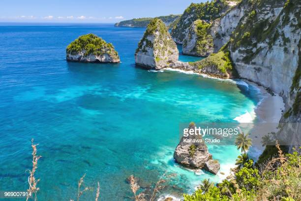 summer vacations in tropical paradise - nusa penida stock pictures, royalty-free photos & images