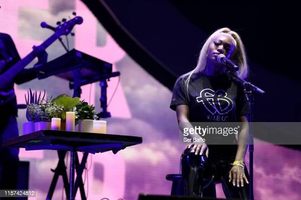 Summer Walker performs onstage at the BET Experience STAPLES Center Concert Sponsored By NISSAN at Staples Center on June 20 2019 in Los Angeles...