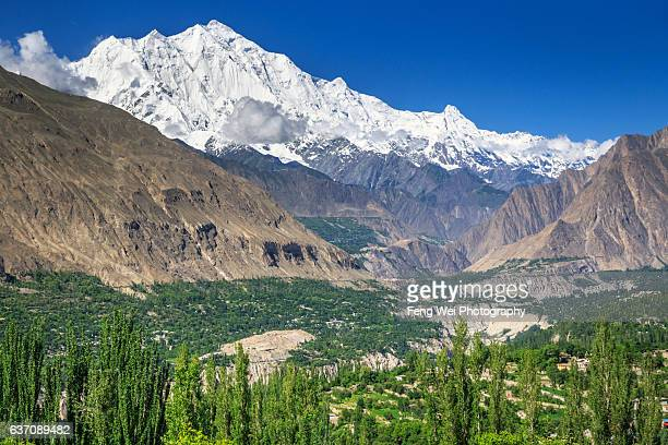 summery scenery in hunza valley, gilgit-baltistan, pakistan - hunza valley stock pictures, royalty-free photos & images