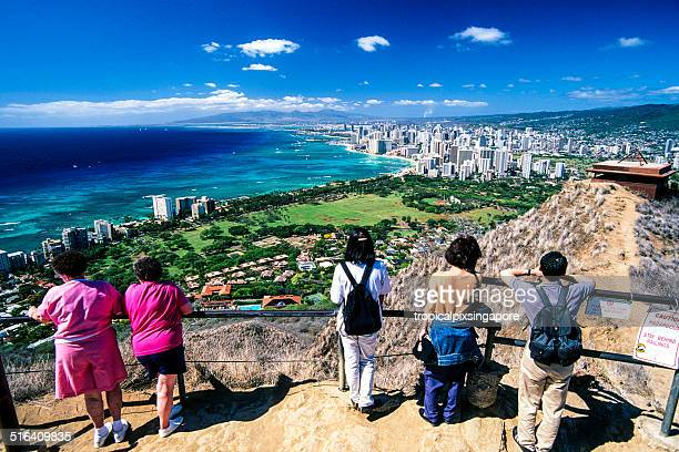 summit of diamond head crater. - volcanic crater stock pictures, royalty-free photos & images
