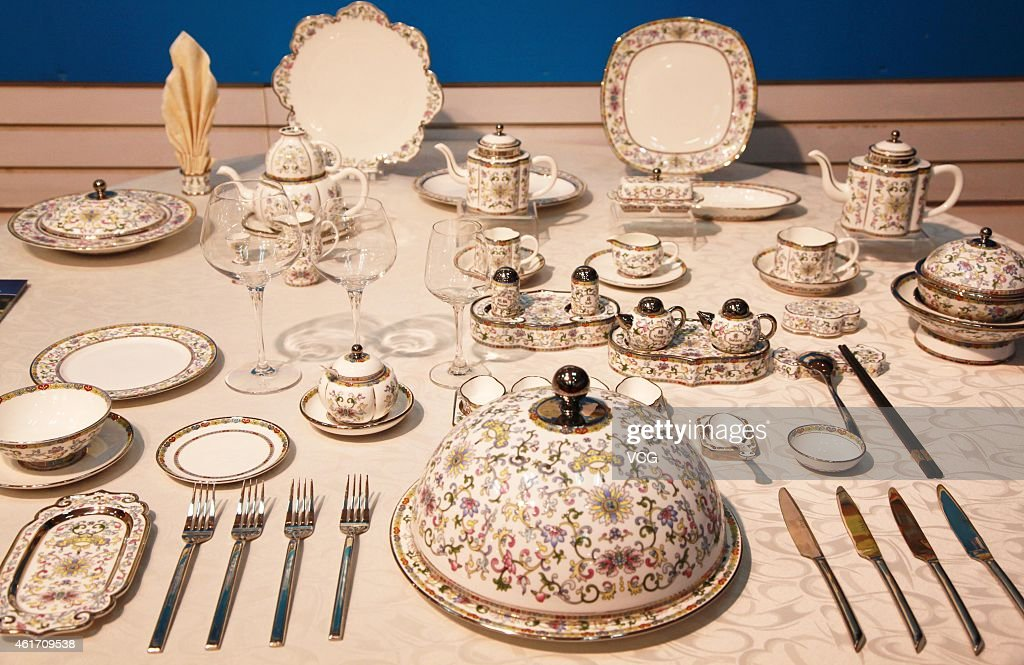 APEC Summitu0027s dinnerwares get exhibited on January 17 2015 in Nanjing Jiangsu province of China Nanjing & Dinnerwares Stock Photos and Pictures | Getty Images