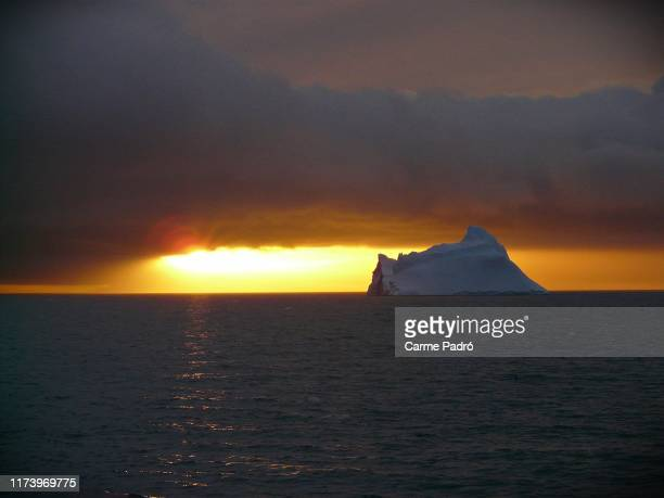 sun goes down on me - antarctica stock pictures, royalty-free photos & images