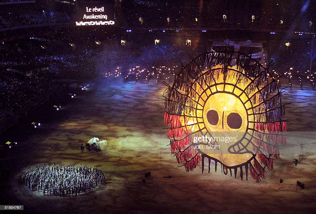 A sun lights up the grounds of the Olympic Stadium : News Photo