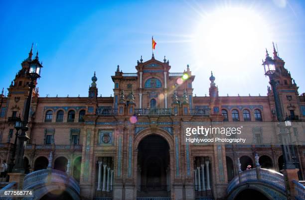 sun low behind plaza de españa - highlywood - fotografias e filmes do acervo